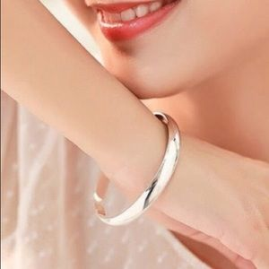 Jewelry - 🎁 Polished Silver Cuff Bracelet